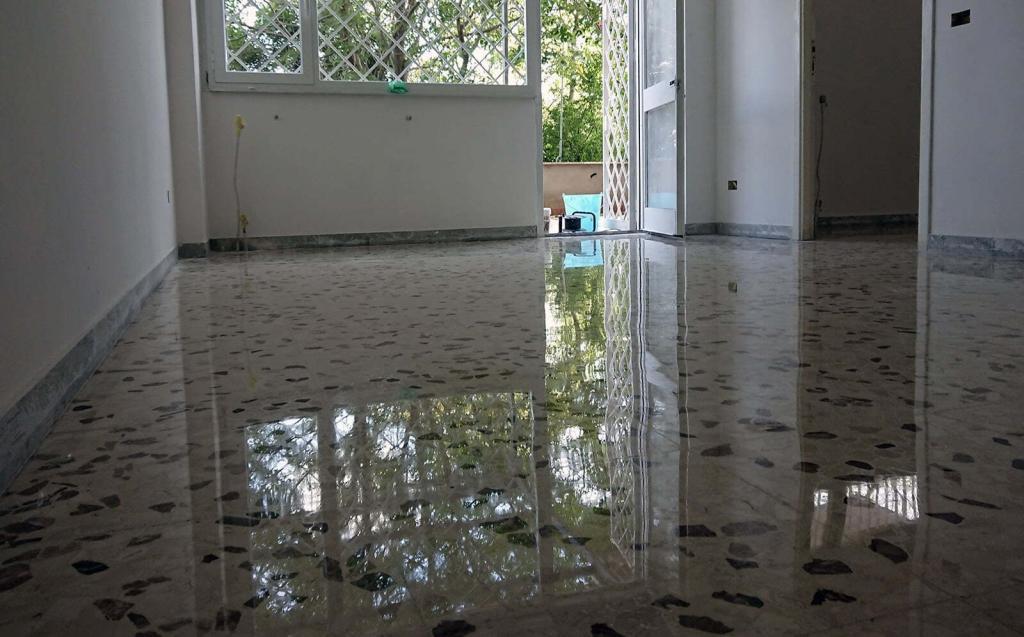 Levigatura e lucidatura pavimento graniglia