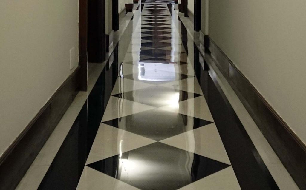 microlevigatura pavimenti in marmo